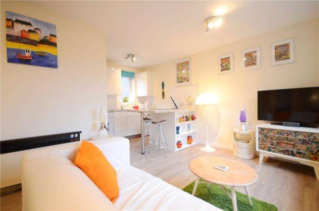 Apartment Flat for sale in Watersfield Close, Lower Earley, Reading