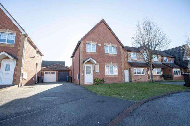 3 Bedrooms Detached House for sale in Gleneagles Close, Kirkby