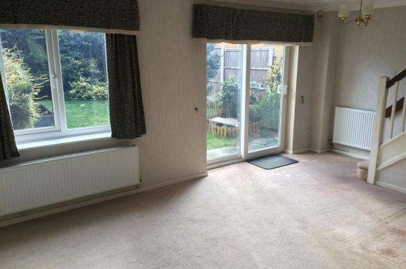 3 Bedrooms Property for rent in Woodruff Way, Walsall