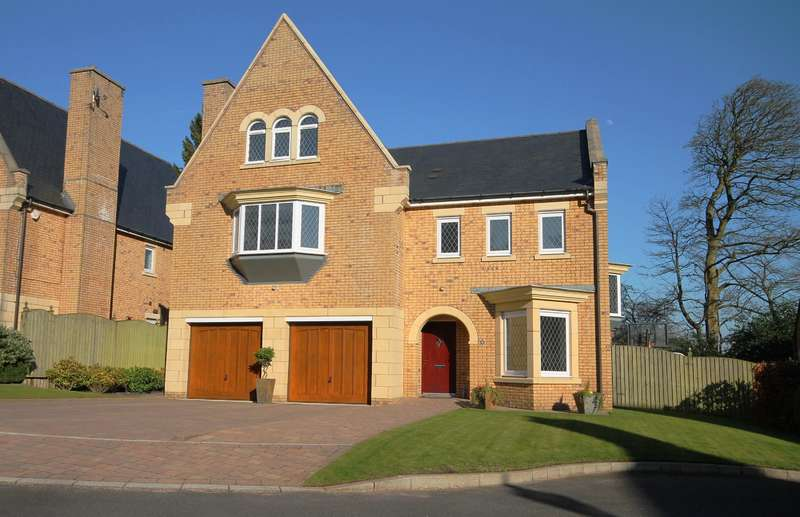 5 Bedrooms Detached House for sale in Handley Gardens, Heaton, Bolton, BL1 5GR