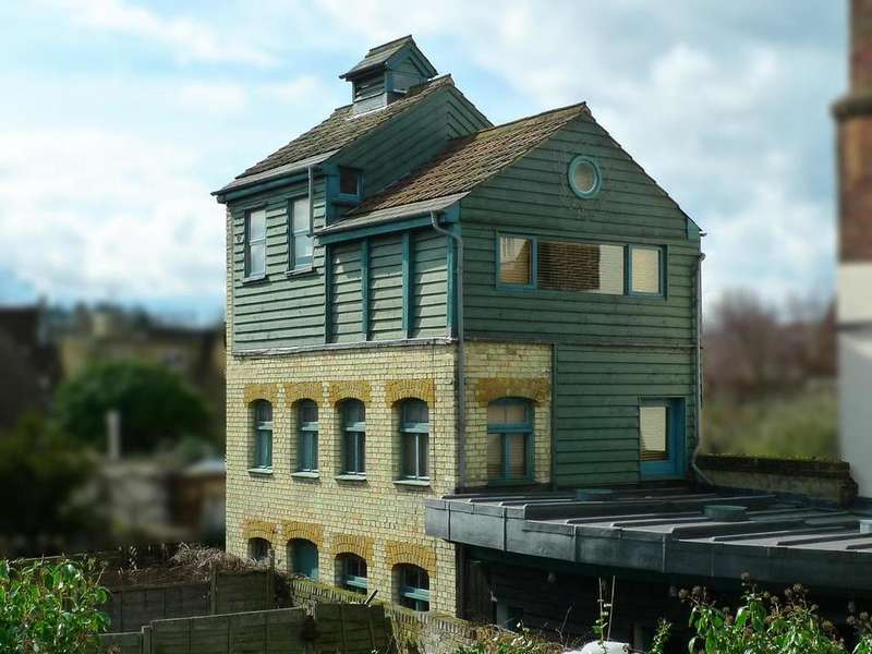3 Bedrooms Detached House for sale in BLUECOAT BREWERY, NEW ROAD, WARE