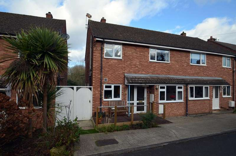 3 Bedrooms Semi Detached House for sale in Rodborough Avenue, Stroud, GL5