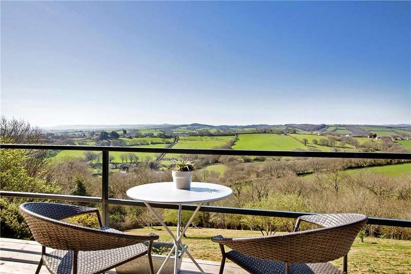 4 Bedrooms Detached House for sale in Trillow Hill, Nadderwater, Exeter, Devon, EX4