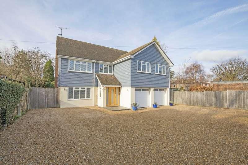 5 Bedrooms Detached House for sale in West Horsham RH12