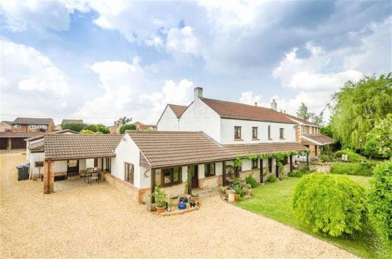 5 Bedrooms Detached House for sale in Melksham Outskirts