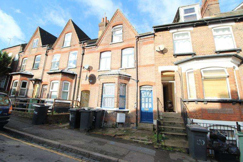 3 Bedrooms Terraced House for sale in POTENTIAL HMO on Buxton Road, Luton