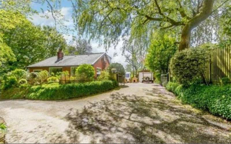 4 Bedrooms Detached Bungalow for sale in Brookside, Yew Tree Lane, Sharples