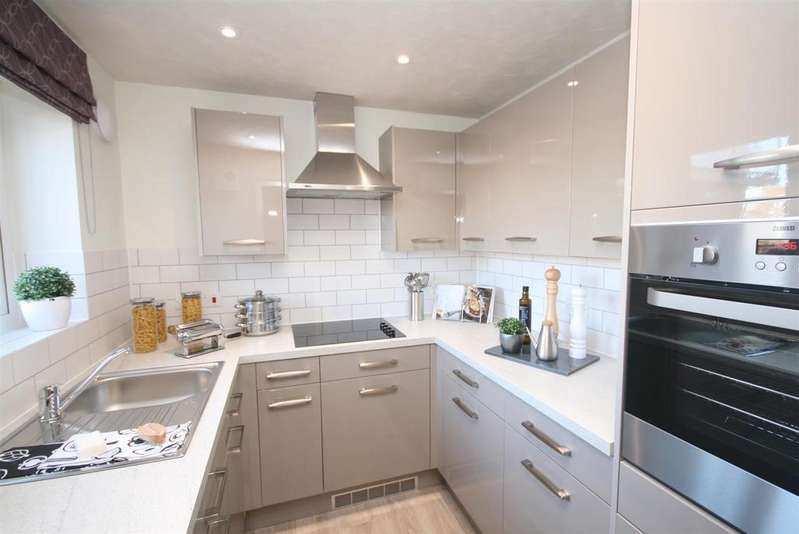 2 Bedrooms Retirement Property for sale in Rowe Avenue, Peacehaven