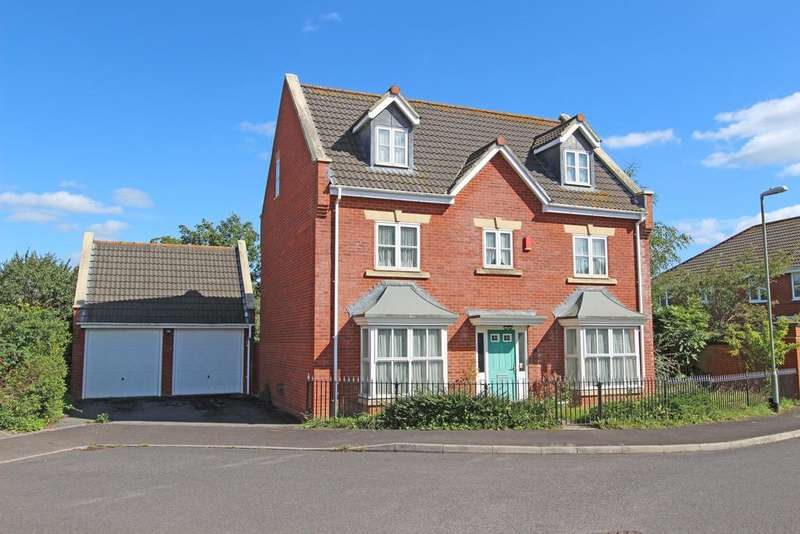 5 Bedrooms Detached House for sale in Windsor Close, Cullompton, EX15