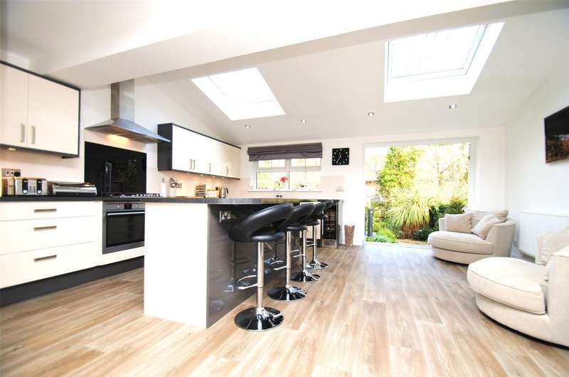 4 Bedrooms Detached House for sale in Fairacre Avenue, Barnstaple
