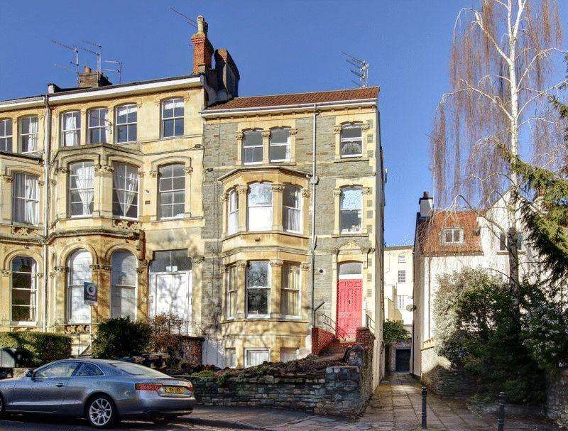 2 Bedrooms Apartment Flat for sale in Royal Park, Clifton