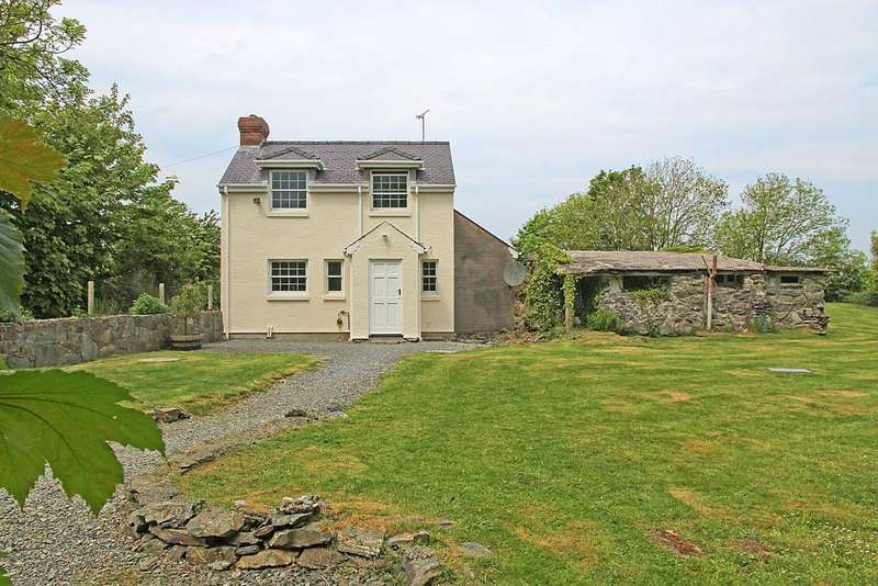 3 Bedrooms Detached House for sale in Mynydd Mechell, Amlwch, North Wales