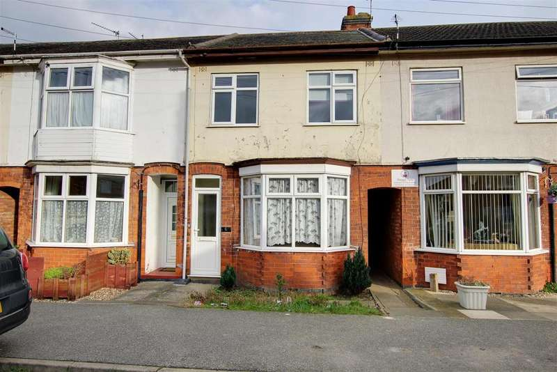 3 Bedrooms Terraced House for sale in Marian Avenue, Mablethorpe