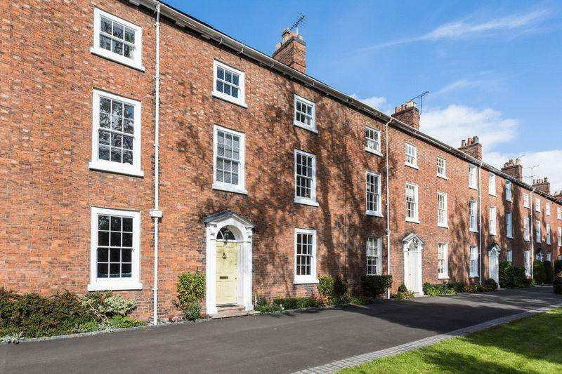 4 Bedrooms Unique Property for sale in Dysart Buildings, Nantwich