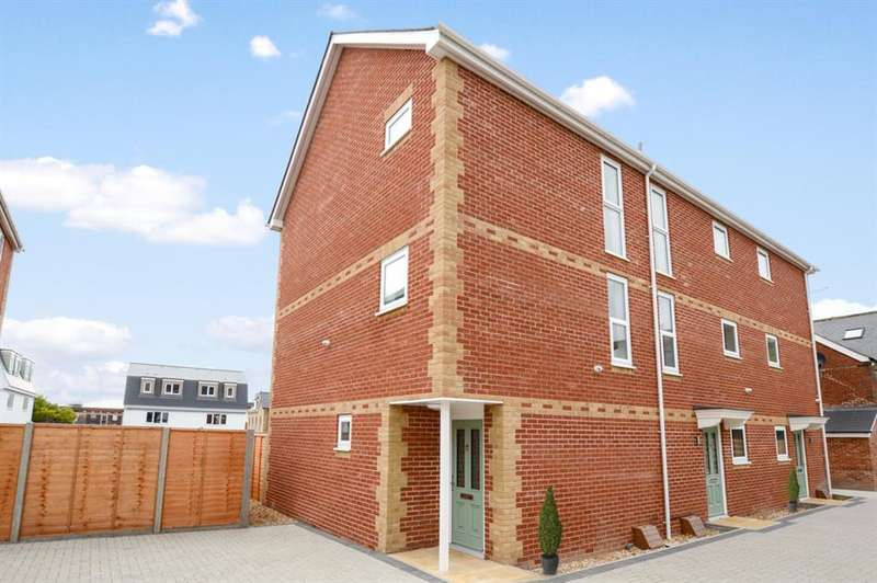 3 Bedrooms Semi Detached House for sale in Seldown Mews, Poole Park, Dorset, BH15