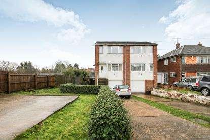 2 Bedrooms Maisonette Flat for sale in Moreton Road North, Luton, Bedfordshire