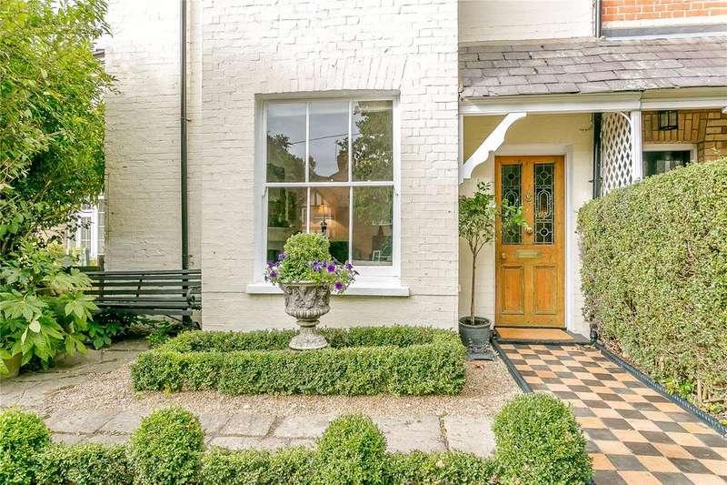 4 Bedrooms Semi Detached House for sale in Vicarage Road, Bagshot, Surrey