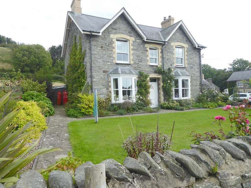 4 Bedrooms Smallholding Commercial for sale in Llanrhystud, Close to Aberystwyth
