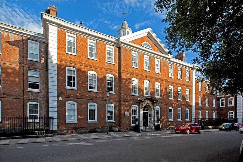 2 Bedrooms Flat for sale in Dean Clarke House, Southernhay East, Exeter, Devon, EX1