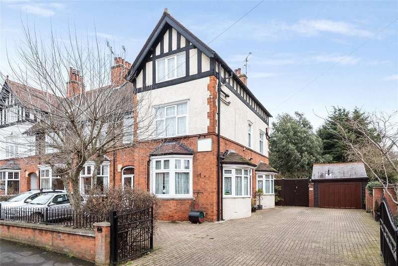 5 Bedrooms Semi Detached House for sale in Harrowby Road, Grantham, NG31
