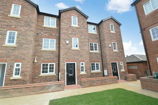 4 Bedrooms End Of Terrace House for sale in Marland Way, Stretford, Manchester
