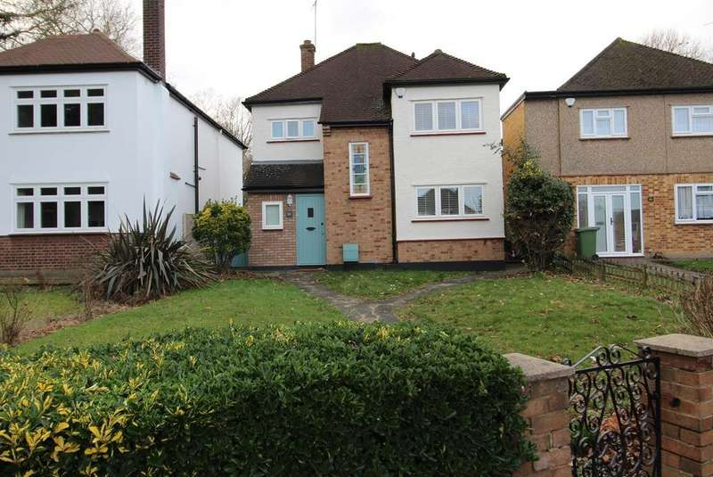 3 Bedrooms Detached House for sale in Corbets Tey Road, Upminster, Essex, RM14