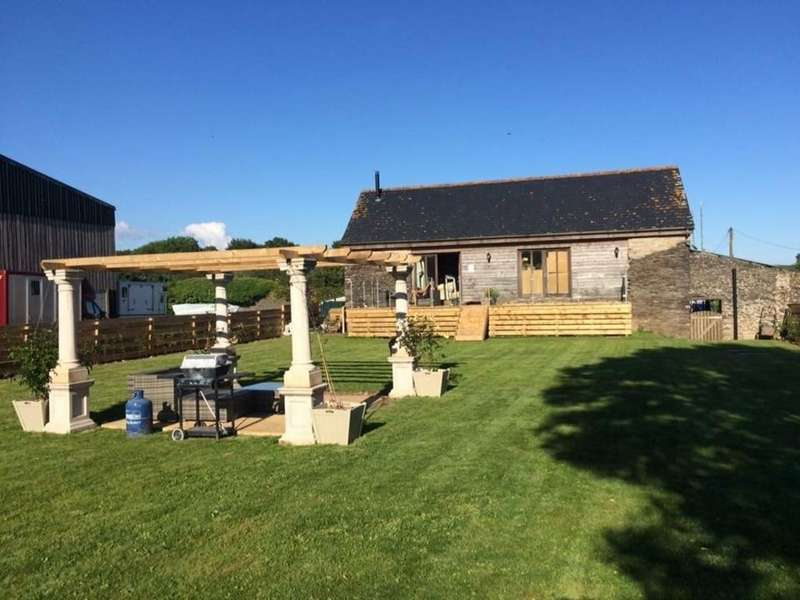 4 Bedrooms Detached House for sale in Trerulefoot, Saltash
