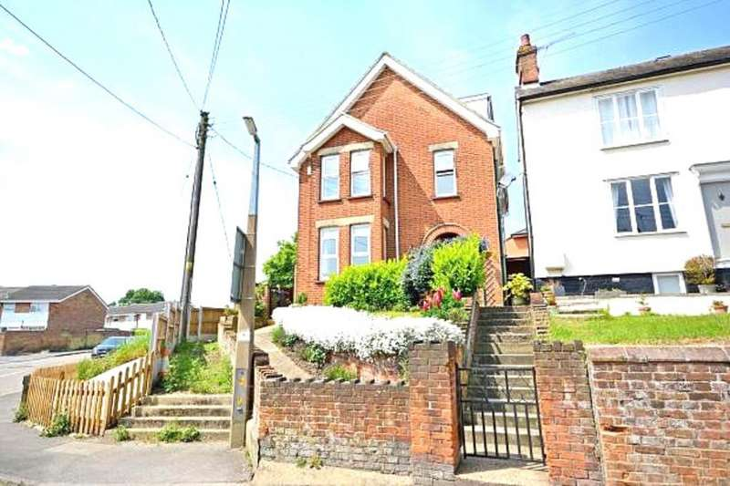4 Bedrooms Detached House for sale in Notley Road, Braintree
