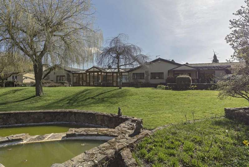 4 Bedrooms Detached Bungalow for sale in Newbold On Stour, Stratford-Upon-Avon
