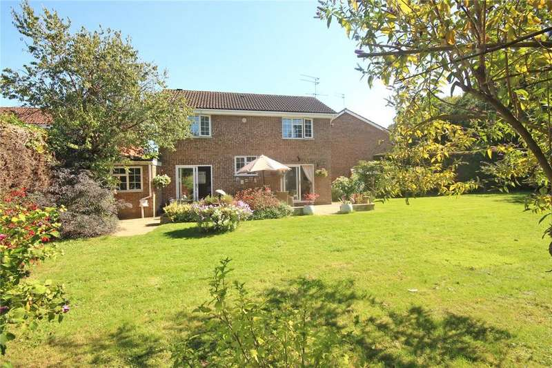 4 Bedrooms Detached House for sale in The Holt, Welwyn Garden City, Hertfordshire