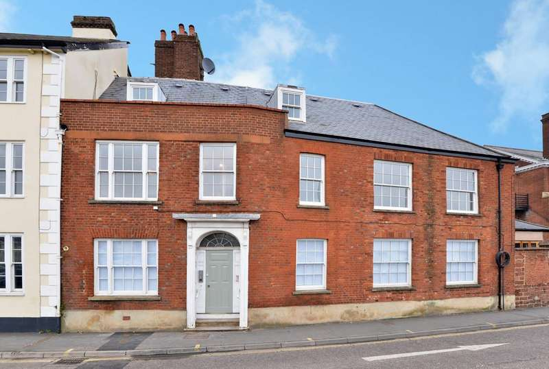 3 Bedrooms Ground Flat for sale in Magdalen Street, Exeter