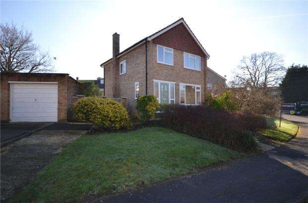 3 Bedrooms Detached House for sale in Pensford Close, Crowthorne, Berkshire