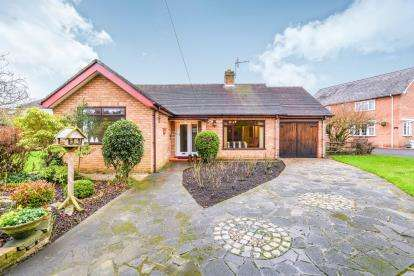3 Bedrooms Bungalow for sale in Daisy Bank Road, Penketh, Warrington, Cheshire