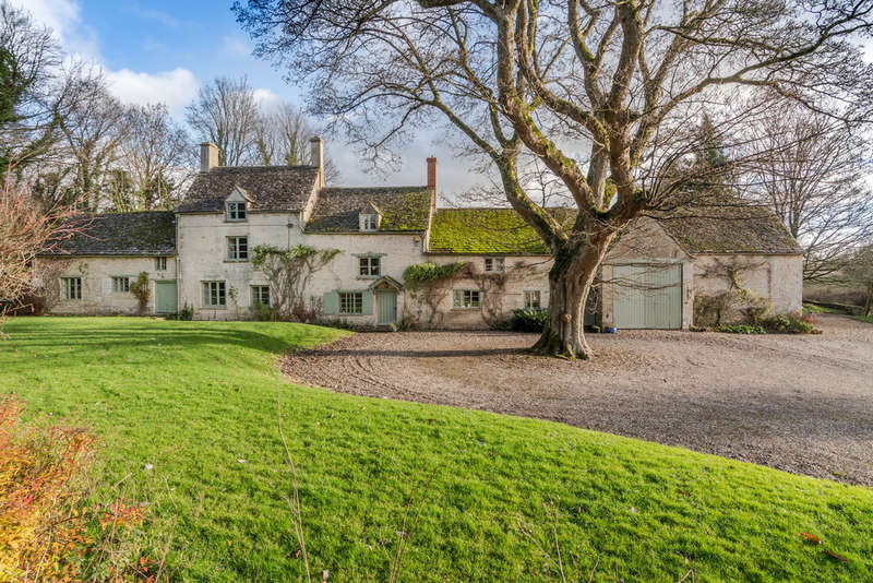 5 Bedrooms Detached House for sale in Rodmarton, Cirencester