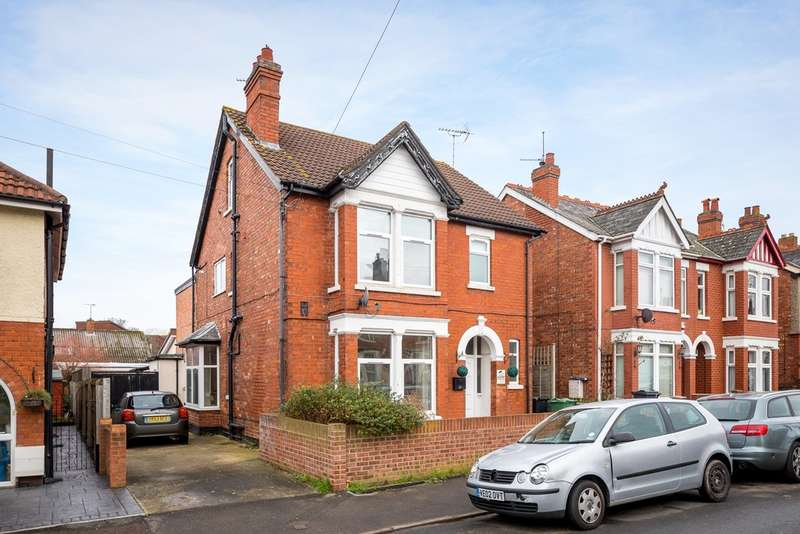 6 Bedrooms Detached House for sale in Linden Road, Linden, Gloucester