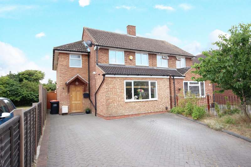 3 Bedrooms Semi Detached House for sale in Osborn Road, Barton-le-Clay, Bedford, MK45