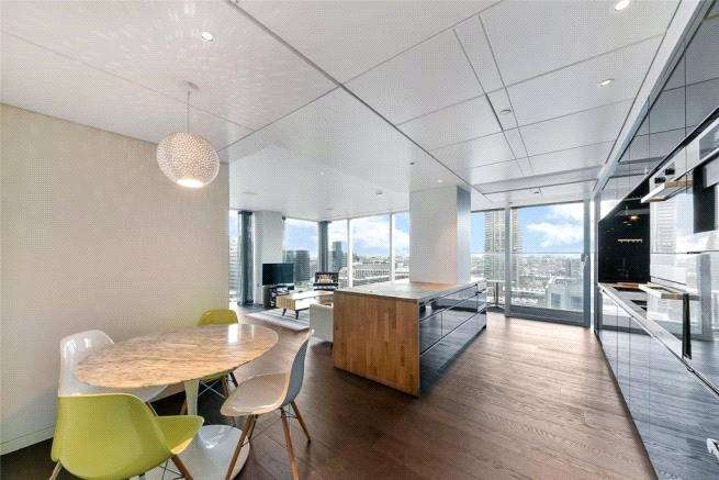 3 Bedrooms Apartment Flat for sale in The Heron, 5 Moor Lane, London, EC2Y