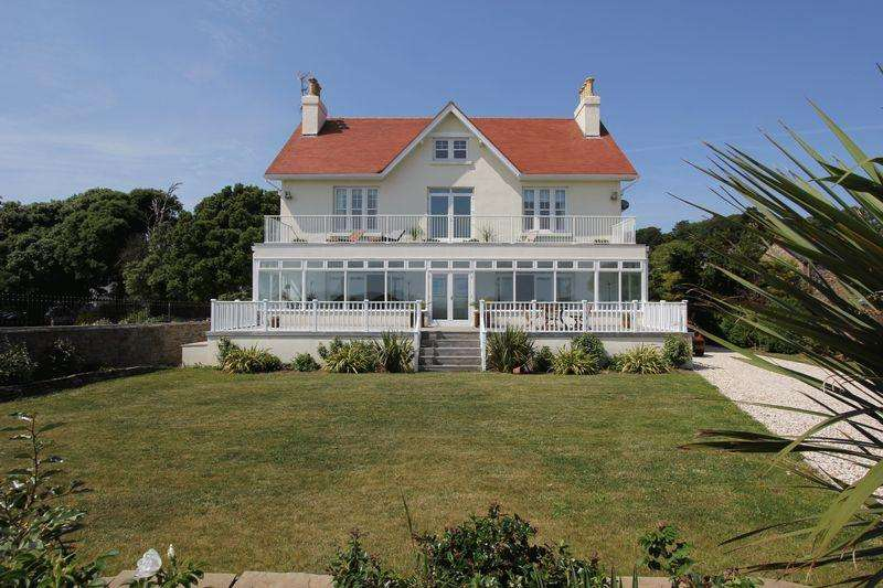 9 Bedrooms Detached House for sale in St Marys Well Bay Road, Swanbridge, Penarth