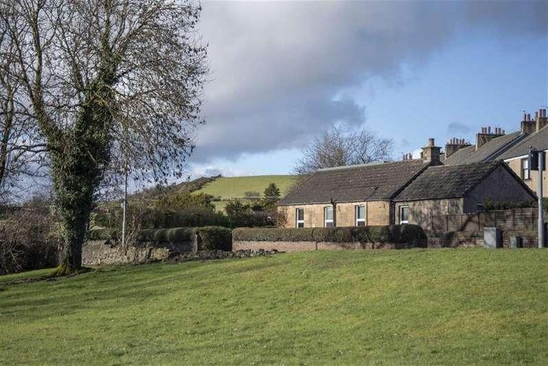 3 Bedrooms Detached House for sale in Kilsyth Road, Bonnybridge, Bonnybridge, Stirlingshire