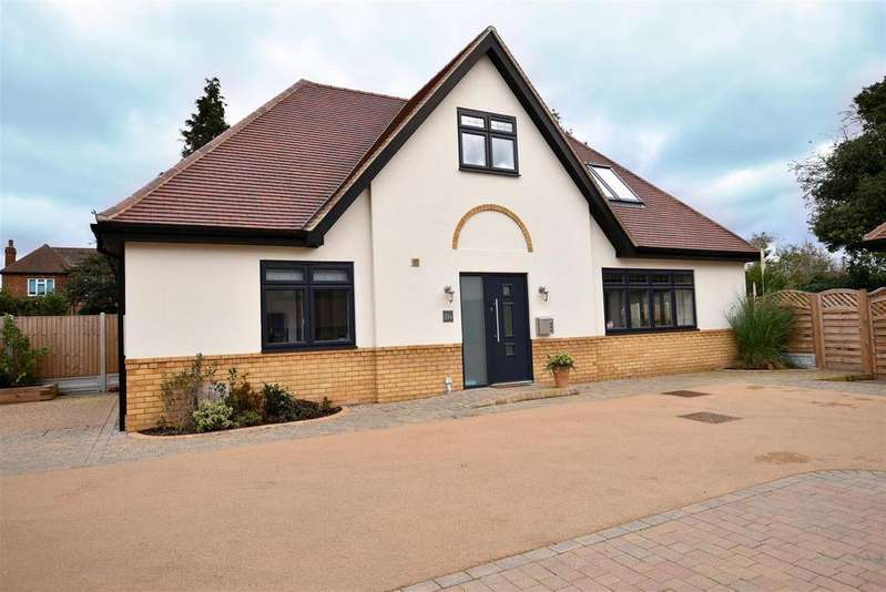 3 Bedrooms Chalet House for sale in Hadleigh