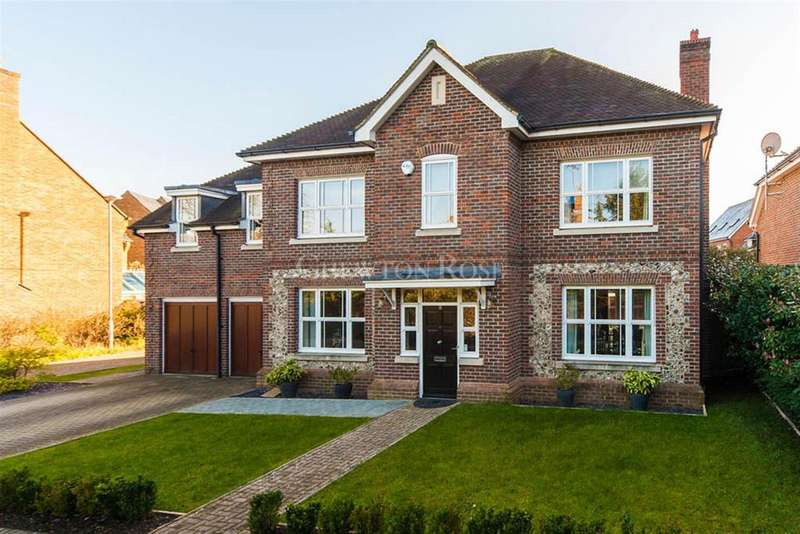 5 Bedrooms Detached House for sale in Highgrove Avenue ASCOT