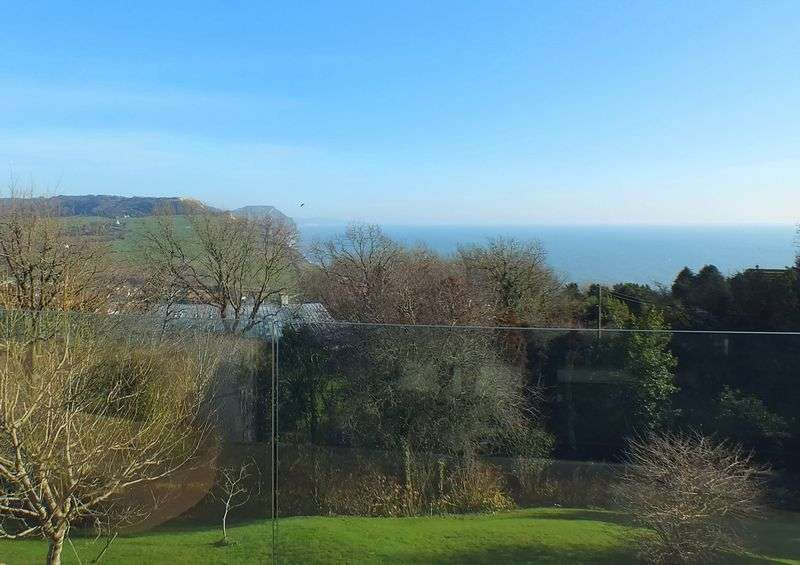 4 Bedrooms Property for sale in Westcliff Road, Charmouth