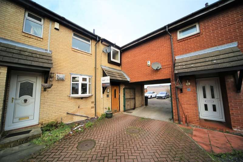 2 Bedrooms Town House for sale in Grasby Court, Bramley, Rotherham