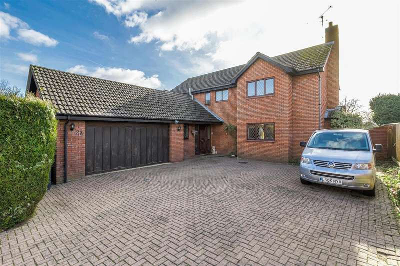 4 Bedrooms Detached House for sale in Malham Court, Wellingborough