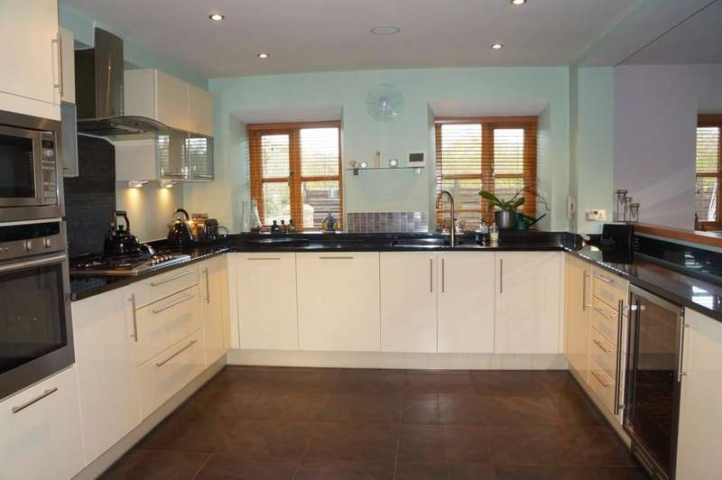 2 Bedrooms Barn Conversion Character Property for sale in Lea End Lane, Alvechurch