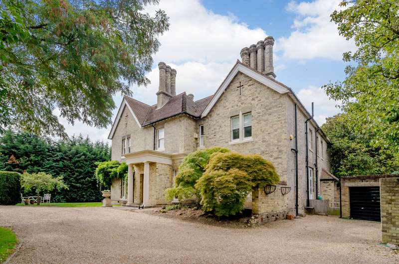 5 Bedrooms House for sale in Esher