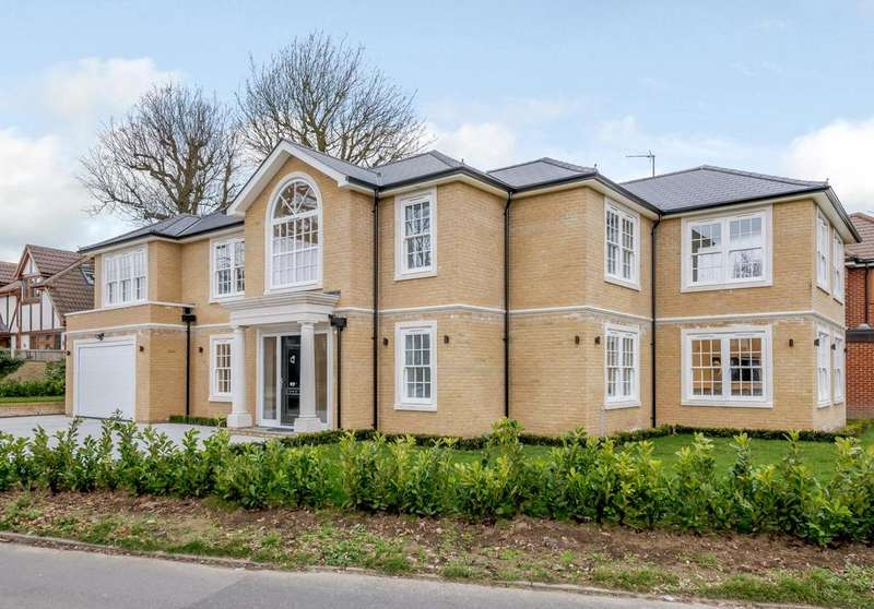 5 Bedrooms Detached House for sale in Spurgate, Hutton Mount, Brentwood