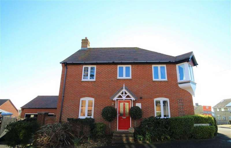 4 Bedrooms Detached House for sale in Thornlow Close, Weymouth, Dorset