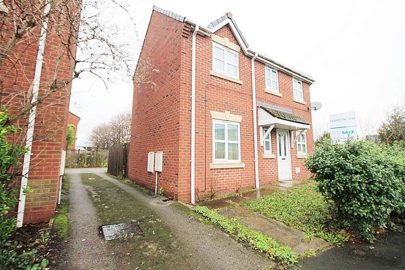 3 Bedrooms Semi Detached House for sale in Upper Mersey Road, Westbank, Widnes WA8