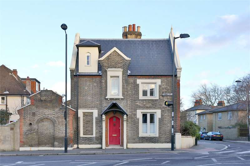 3 Bedrooms Semi Detached House for sale in Church Crescent, South Hackney, E9